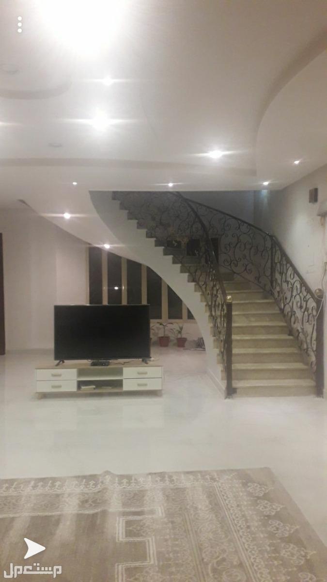 للبيع فيلا مساحة 330درج داخلي حي الياسمين
