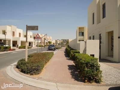 للبيع فلل جاهز 3غرف و 4غرف في دبي منطقة دبي لاند من اعمار اقساط على سنتين