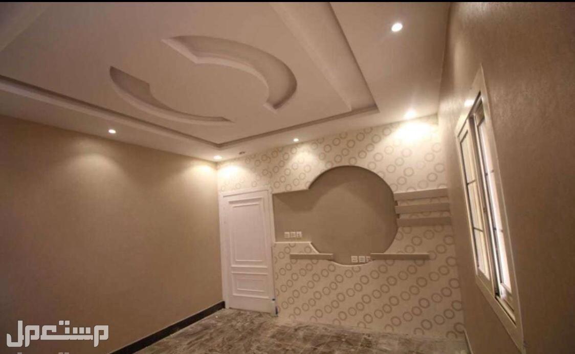 فيلا روف بسطح كامل وثلاث غرف بمنافعها من المالك مباشرة بدون عمولات