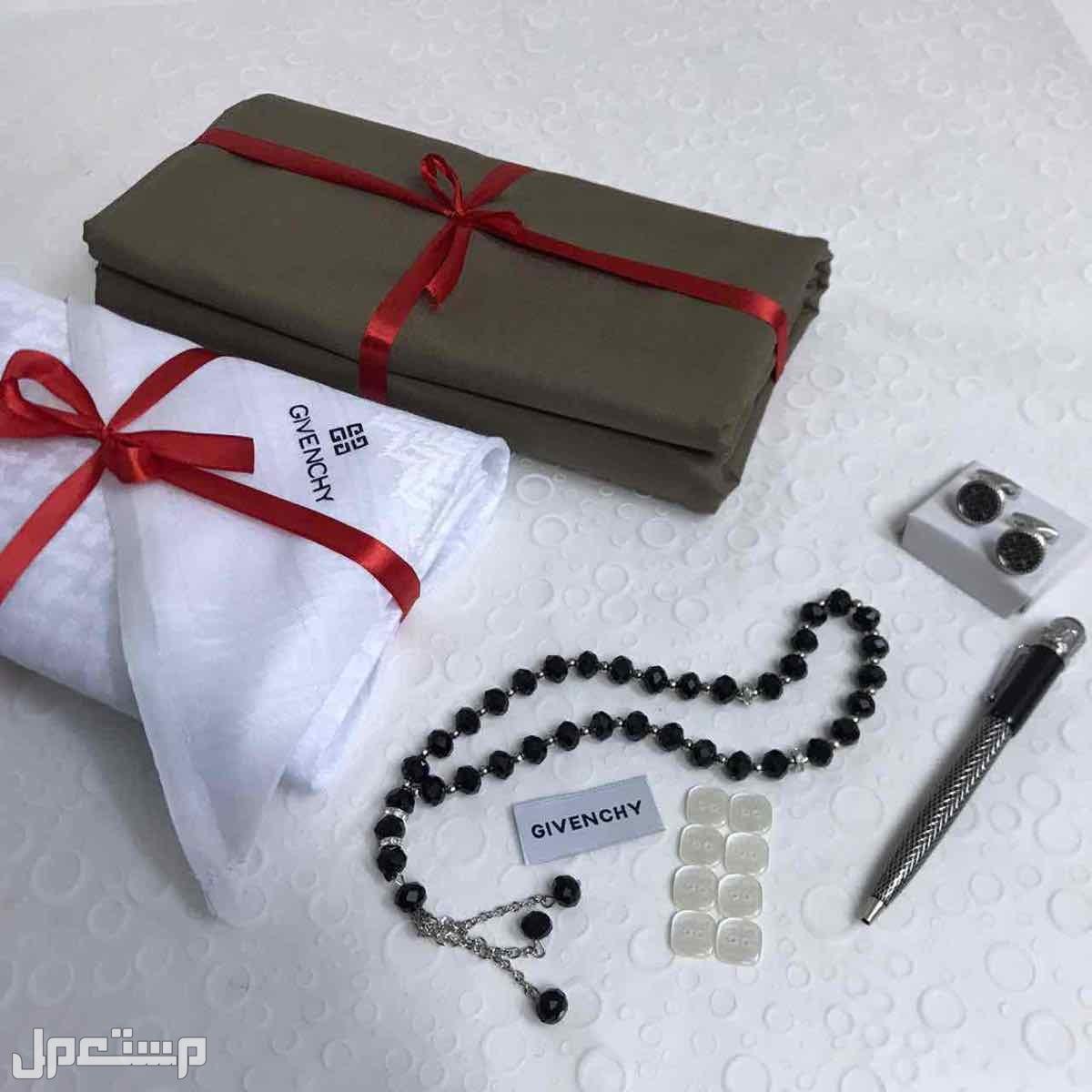 طقم رجالي هدايا مونت بلانك جفنشي قماش شماغ عطر قلمً كبك مسبحه