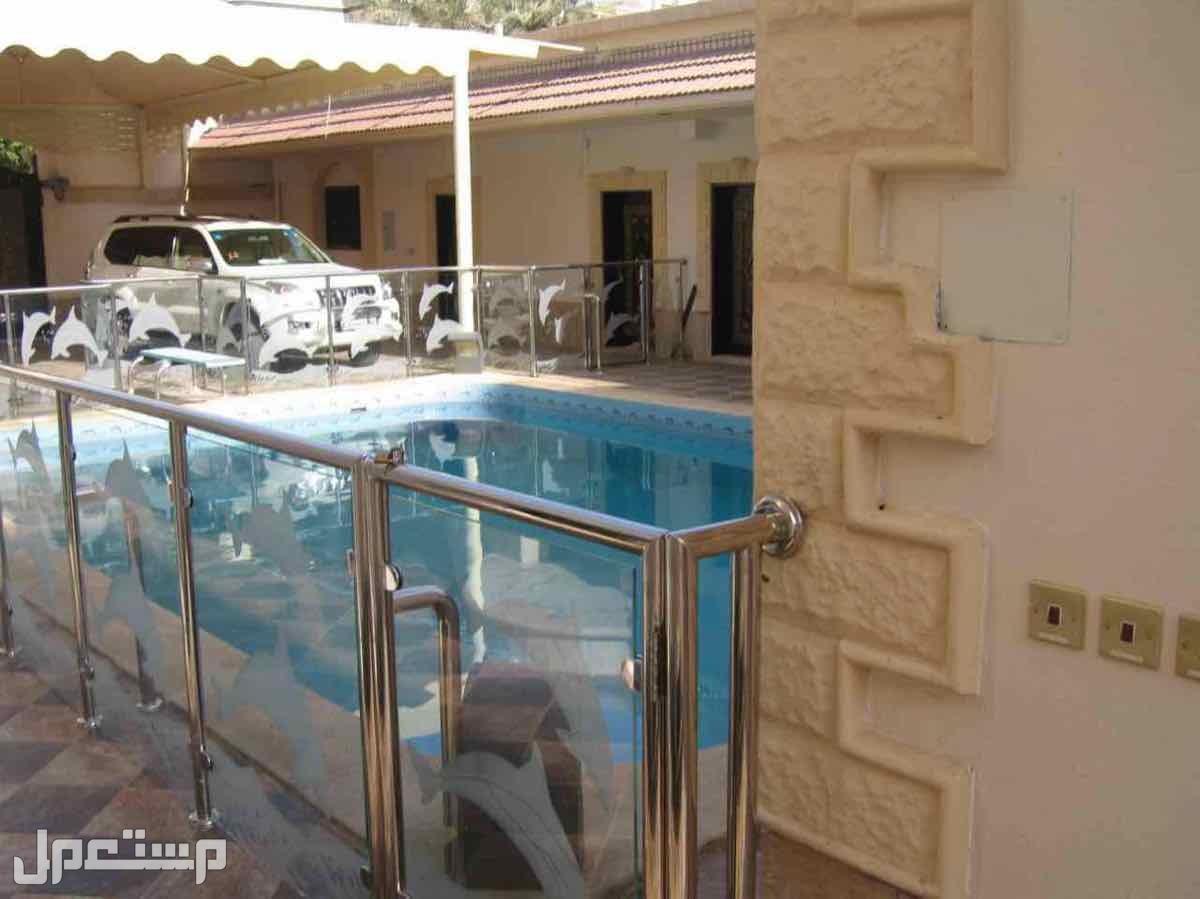 فيلا دور -دور -ملاحق مساحة 900 م بحي العزيزية