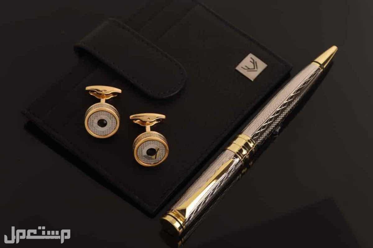 طقم رجالي ساعه قلم كبك محفظه