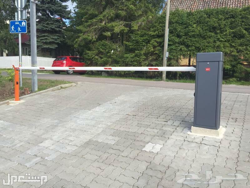 بوابات ايطاليه لتحكم في دخول السيارات