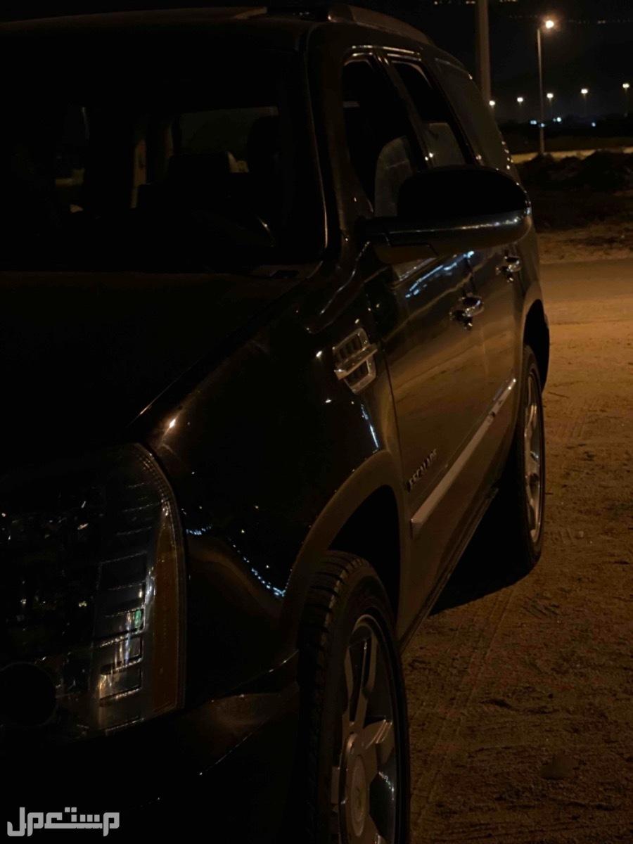 كاديلاك اسكاليد 2012 اسود ملكي داخلي هولويز  للبيع