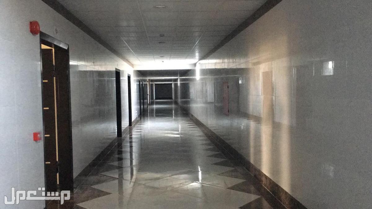 معارض ميزانين و مكاتب للإيجار بحي العريجاء