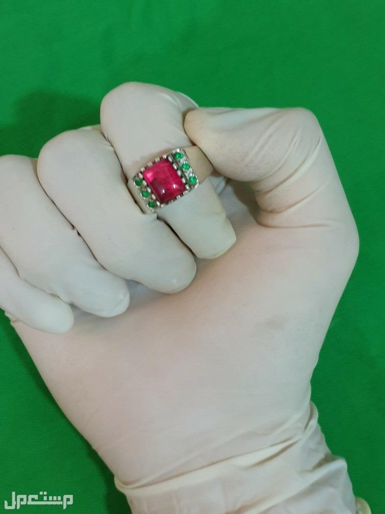 خاتم فضة ياقوت صافي مرصع زمرد
