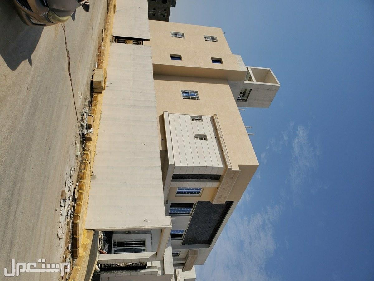 فلل درج صالة دبلكس للبيع من المالك بموقع متميز بغرب الرياض