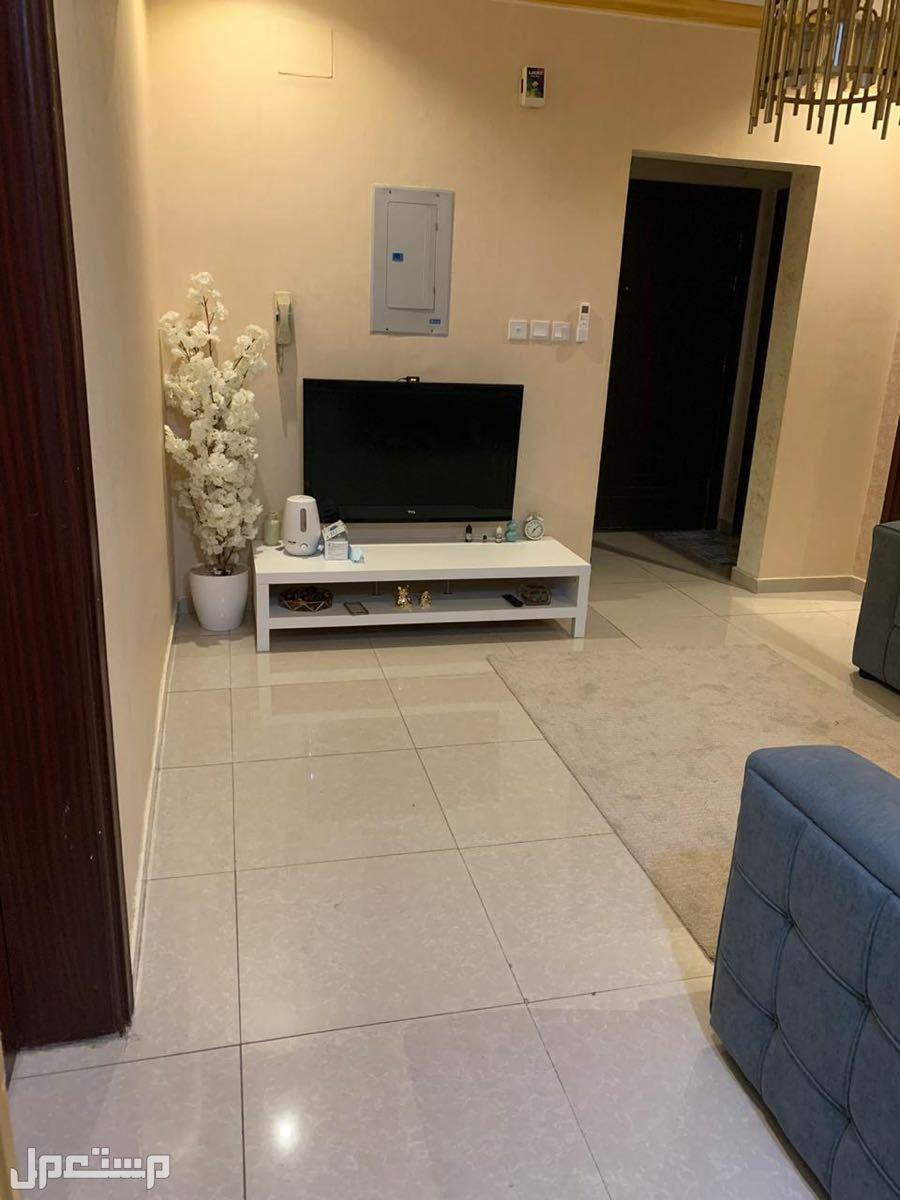 شقه للبيع بحي المروه جده 4 غرف بمنافعها