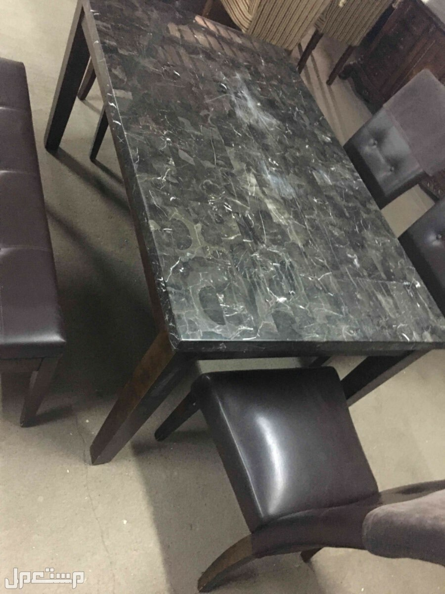 طاولات رخام عدد 3 طاولات بكراسيها وملحقاتها
