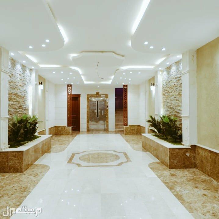 شقق وملاحق للبيع  3 و 4 و5 غرف كبيره  للبيع لافراغ فوري تقبل البنوك