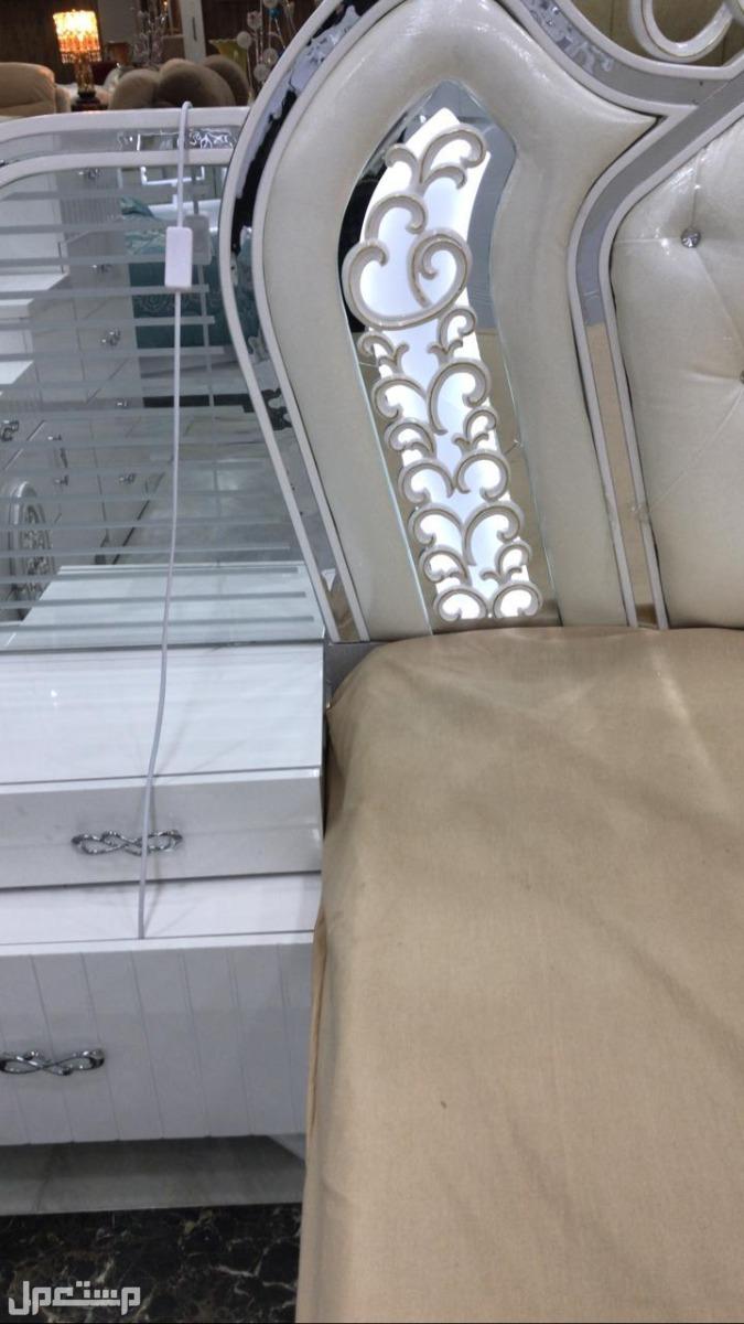 غرف نوم باضاءة رومنسيه