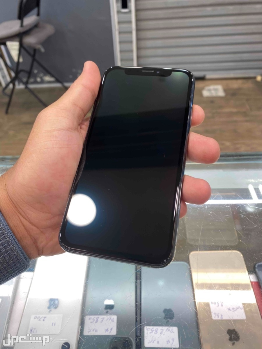 للبيع ايفون اكس 64 اسود مستخدم