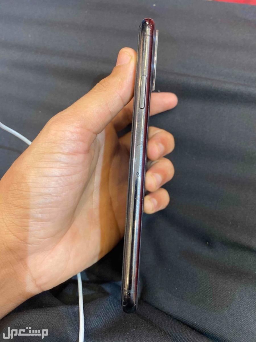 آيفون 11 برو ماكس 256 جيجا مسخدم نظيف