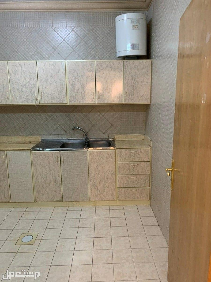 شقة للايجار نظيفة بحي الوادي شمال الرياض