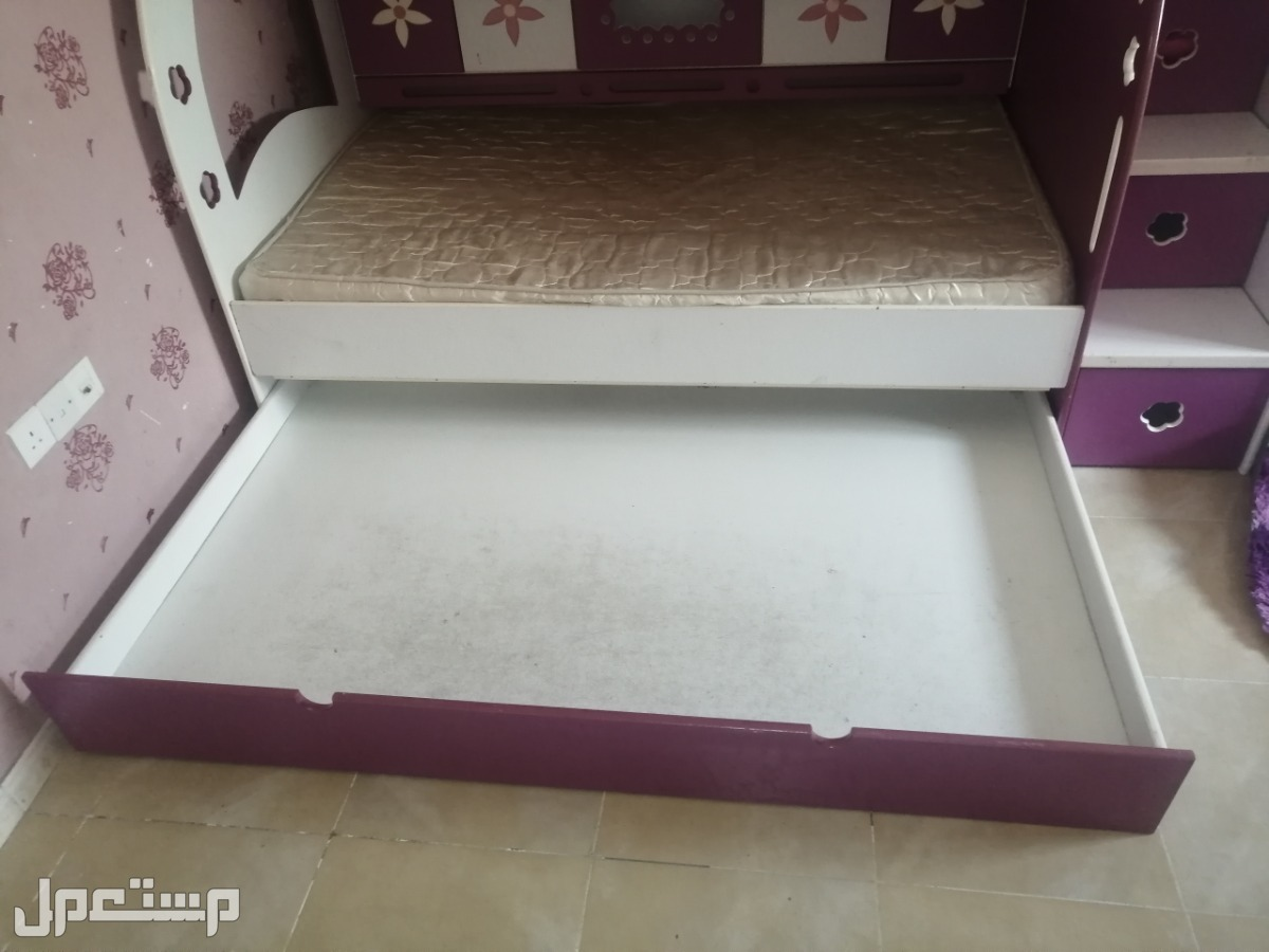 سرير اطفال ثلاثي
