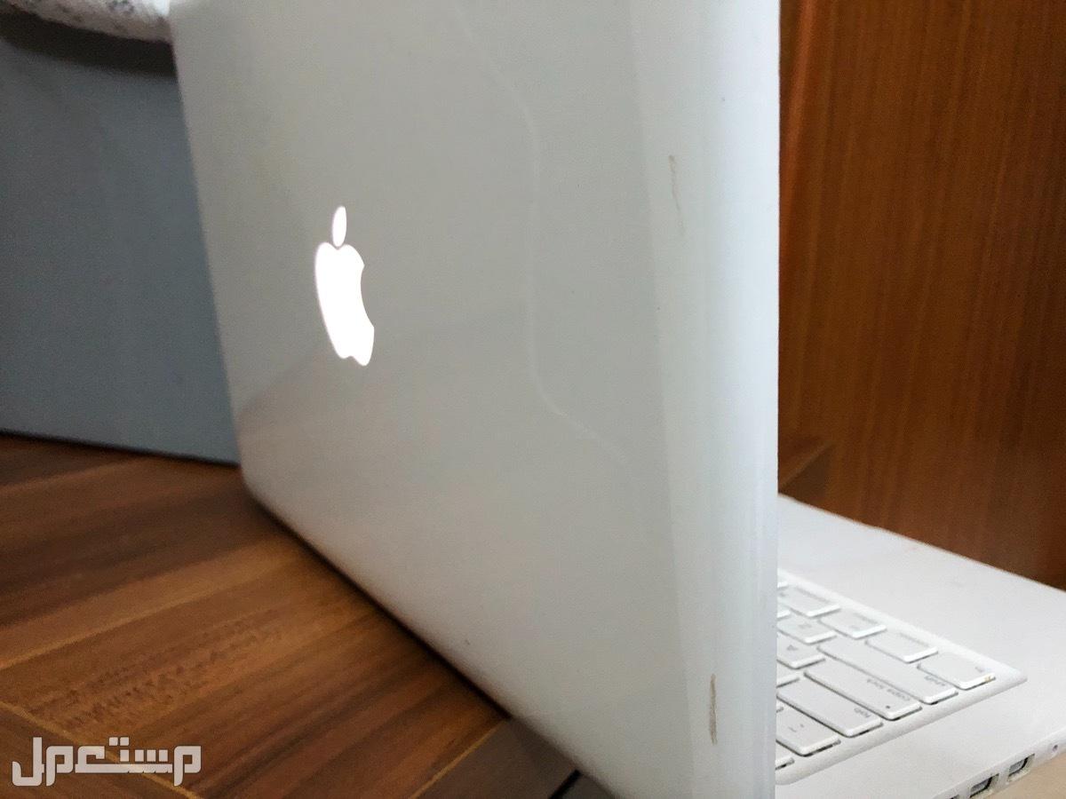 جهازين ماك بوك 2010-2009  باسعار جيدة