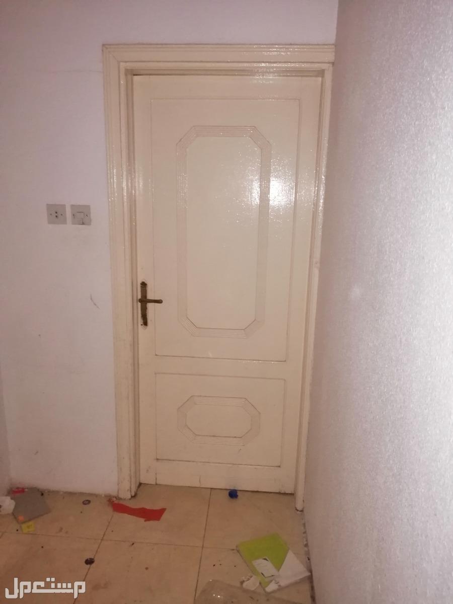 أبواب خشب مستعملة للبيع مستعمل