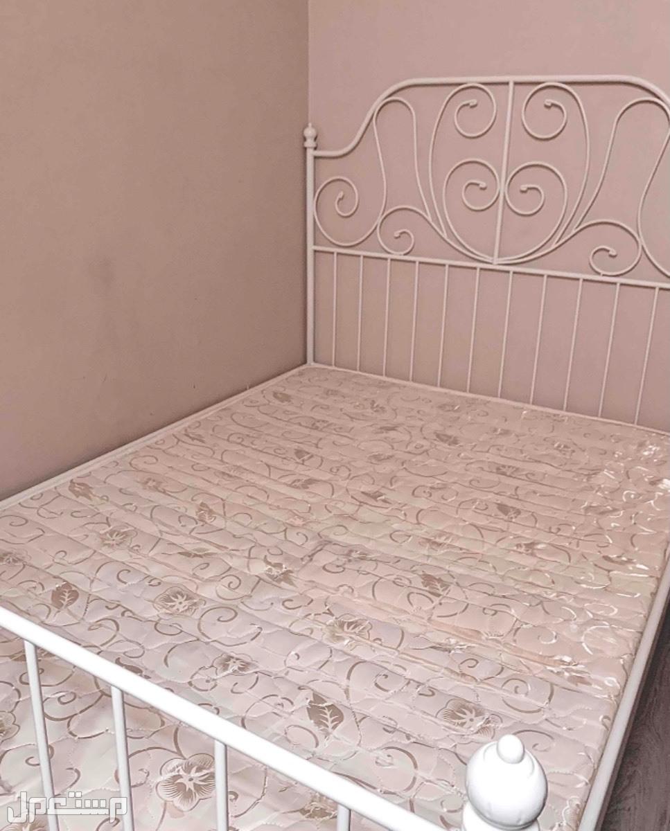 سرير ايكيا ابيض نفر ونص