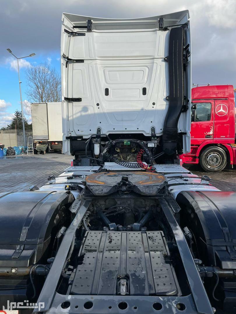 شاحنة اكتروس مستوردة للبيع في جدة