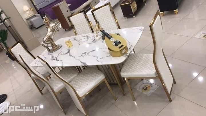 طاولات طعام وجه رخام مع استيل ذهبي جودة عالية