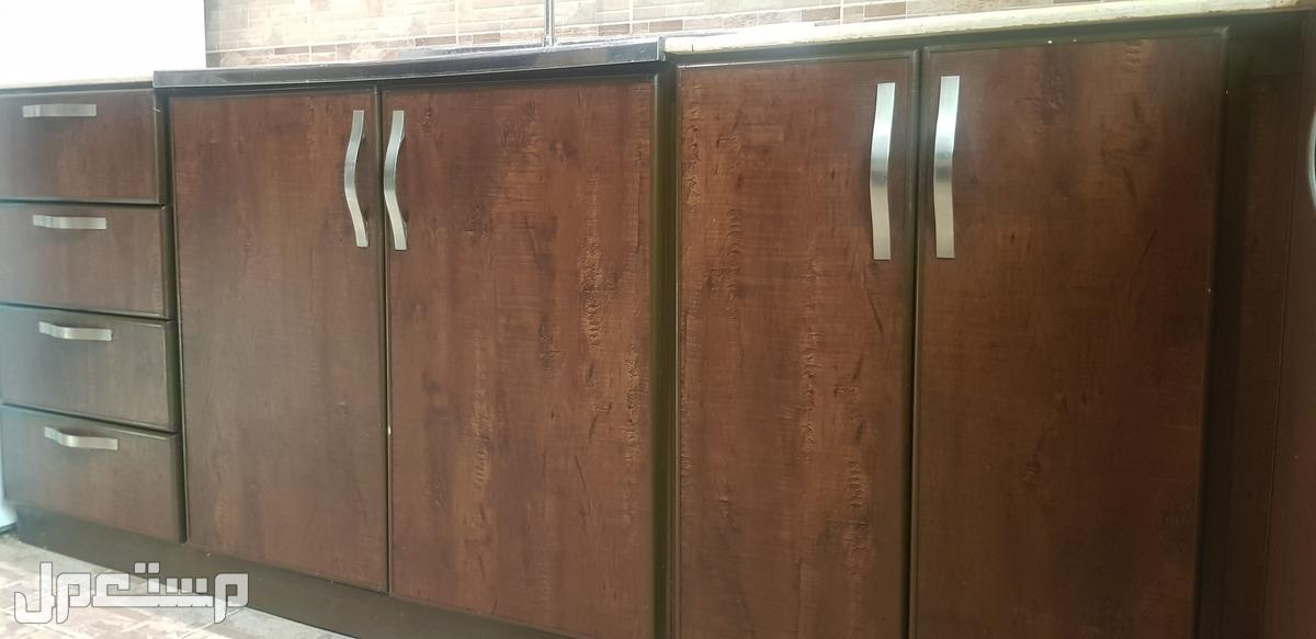 طقم دواليب مطبخ نظيفة 4 في 4 للبيع