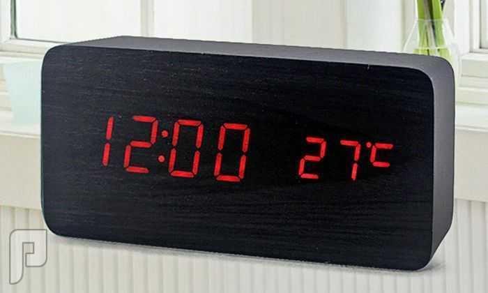 لفترة محدوودة ساعة مكتب رقمية خشبية .