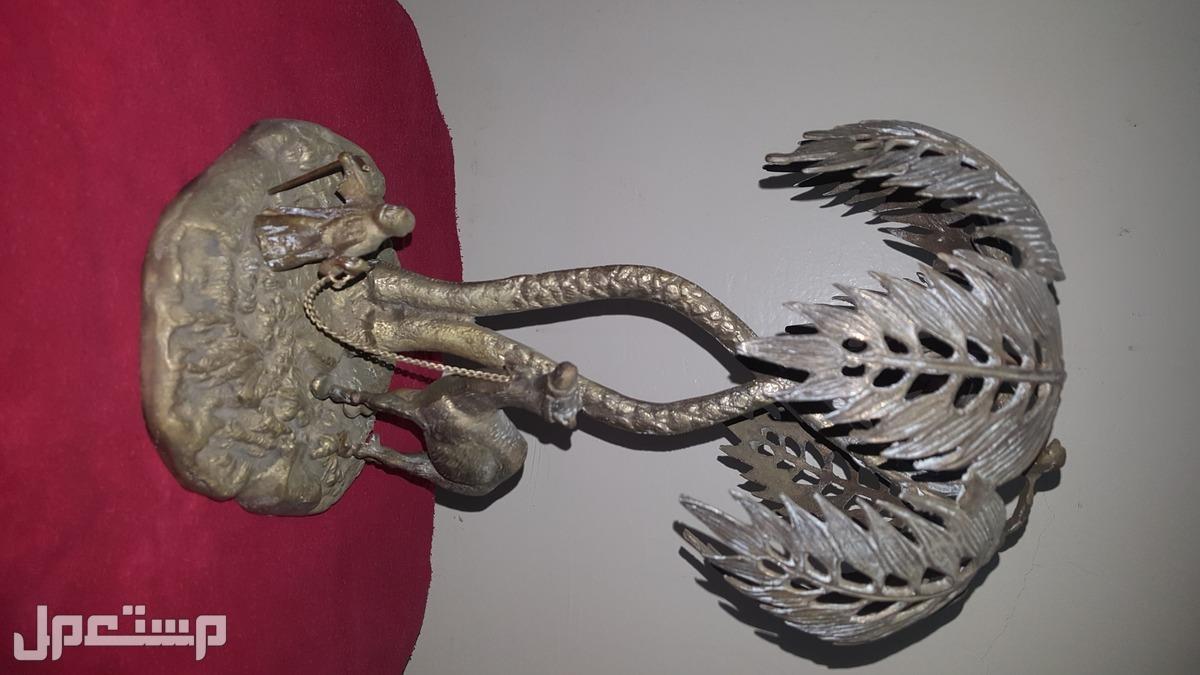 للبيع قطعة فنية من التراث القديم