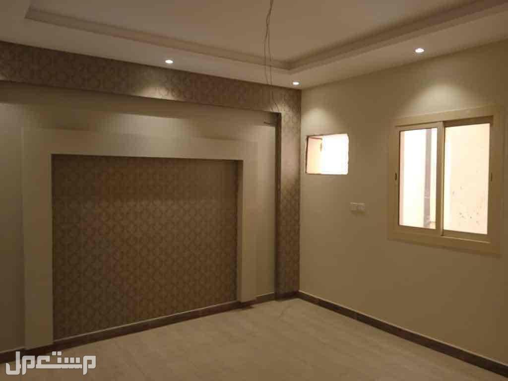 شقة خمس غرف اماميه بمدخلين
