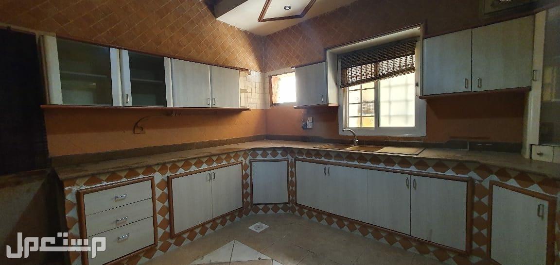 مطبخ خشب8 متر للبيع المستعجل