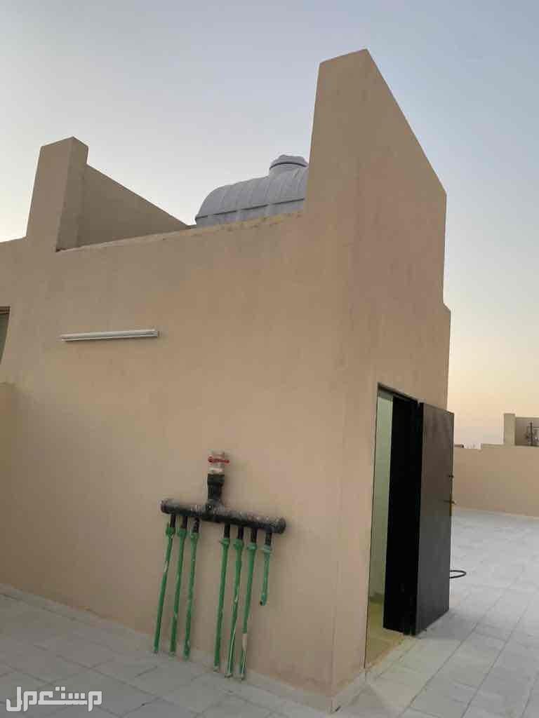 للبيع دور علوي بصك م250 مع سطح مؤسس شقه بحي الدار البيضاء