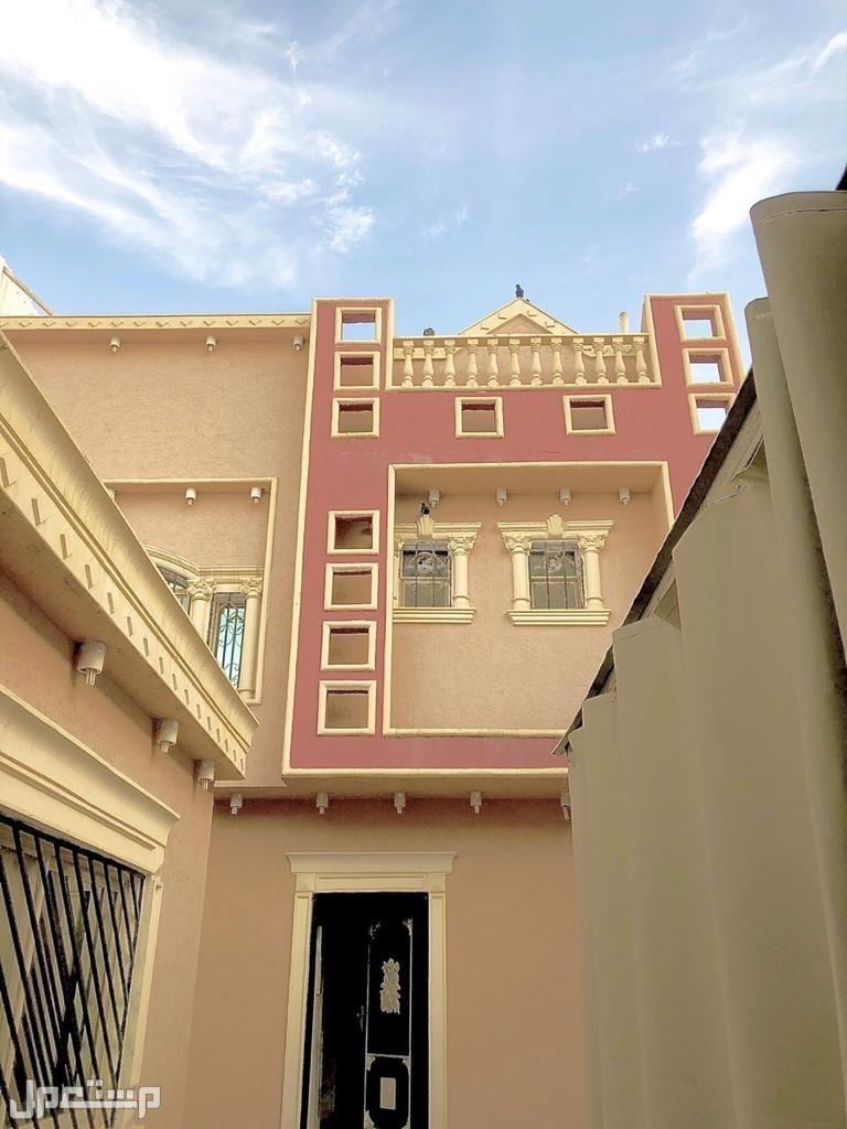فيلا دوبلكس 300 متر في حي طويق للبيع ب884 الف ريال
