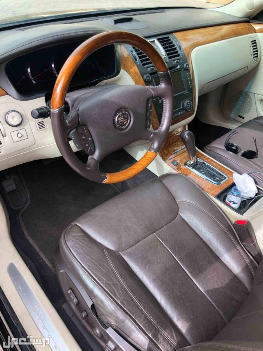 كاديلاك DTS 2011 مستعملة للبيع