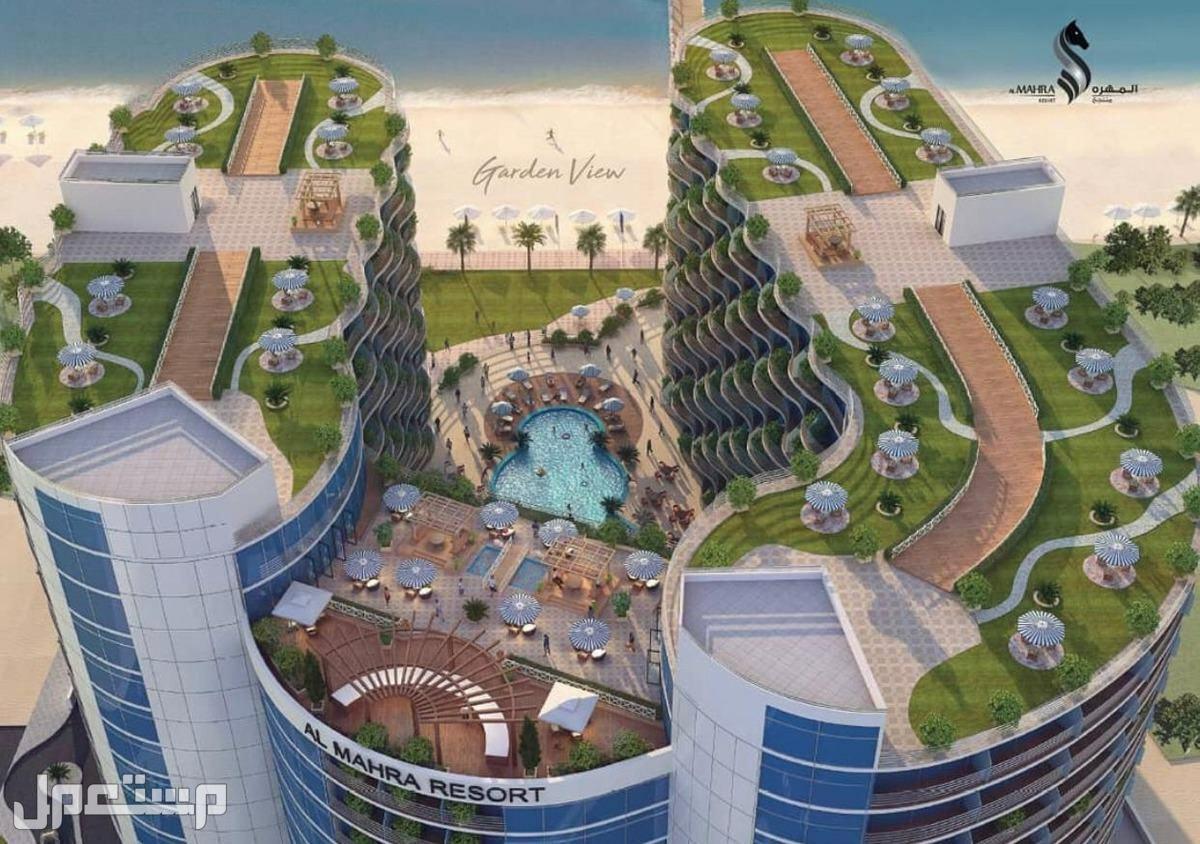 تملك الرفاهية والاستثمار مع منتجع المهرة الفندقي مقطع خلفي يوضح الاطلالة على البحر مباشرة