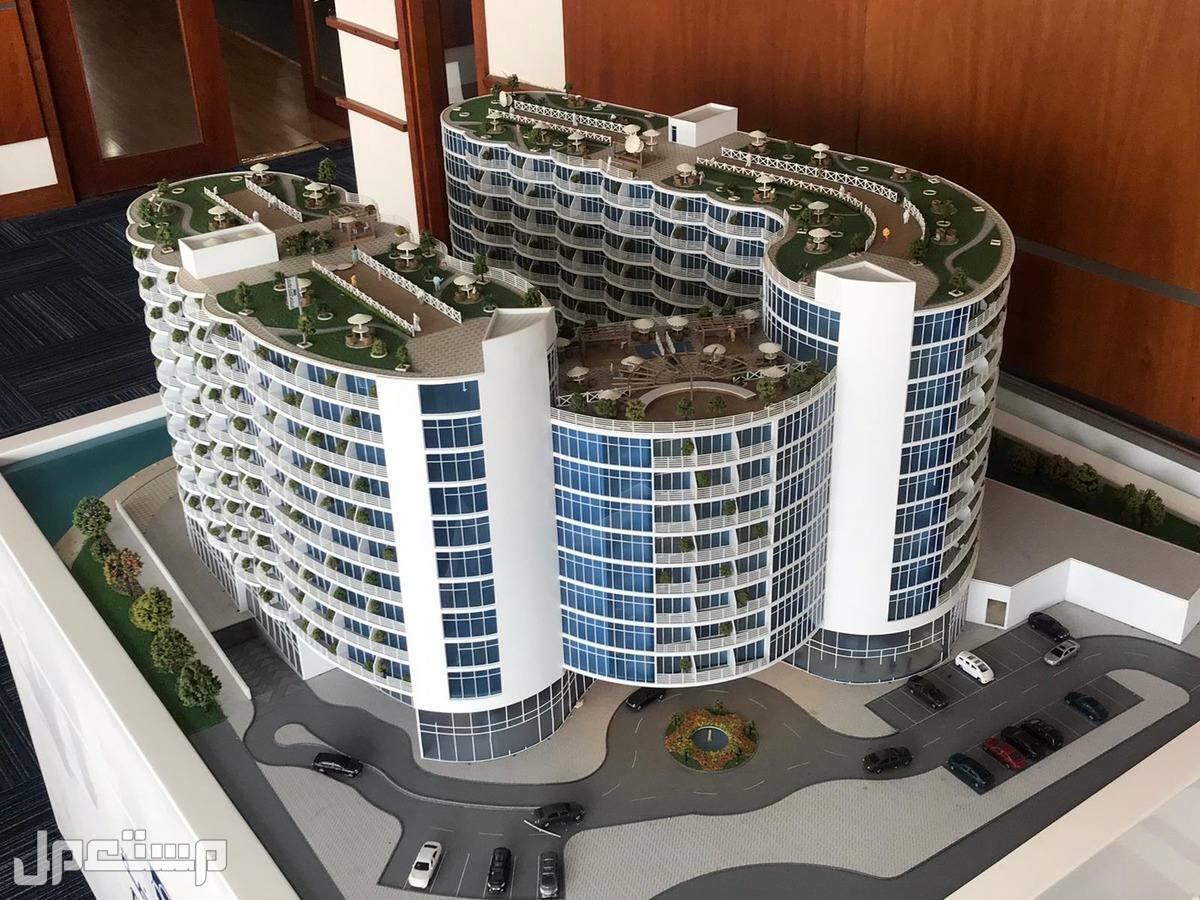 تملك الرفاهية والاستثمار مع منتجع المهرة الفندقي مجسم المشروع خلفي يوضح اطلالة المنتجع كامل على البحر  3