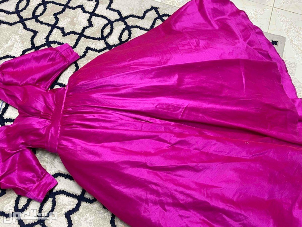 فستان مستعمل انيق جدا وبخامه ممتازه👍🏻💓