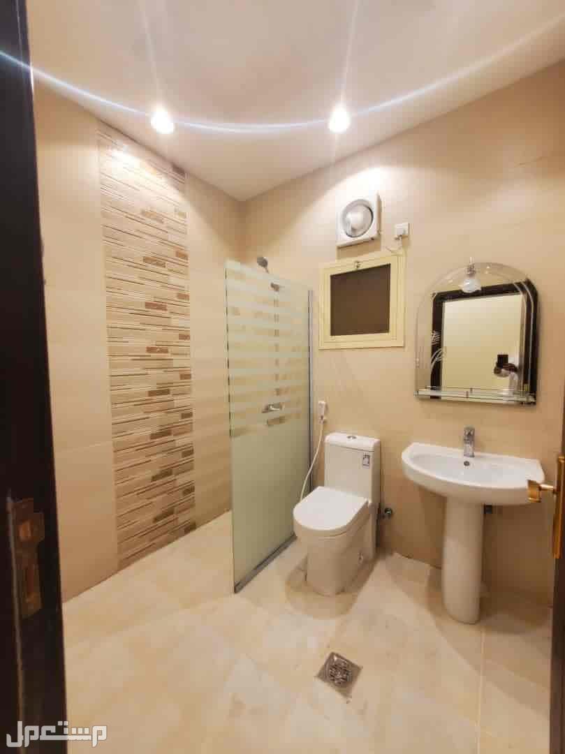 شقة 6 غرف للبيع بحي التيسير
