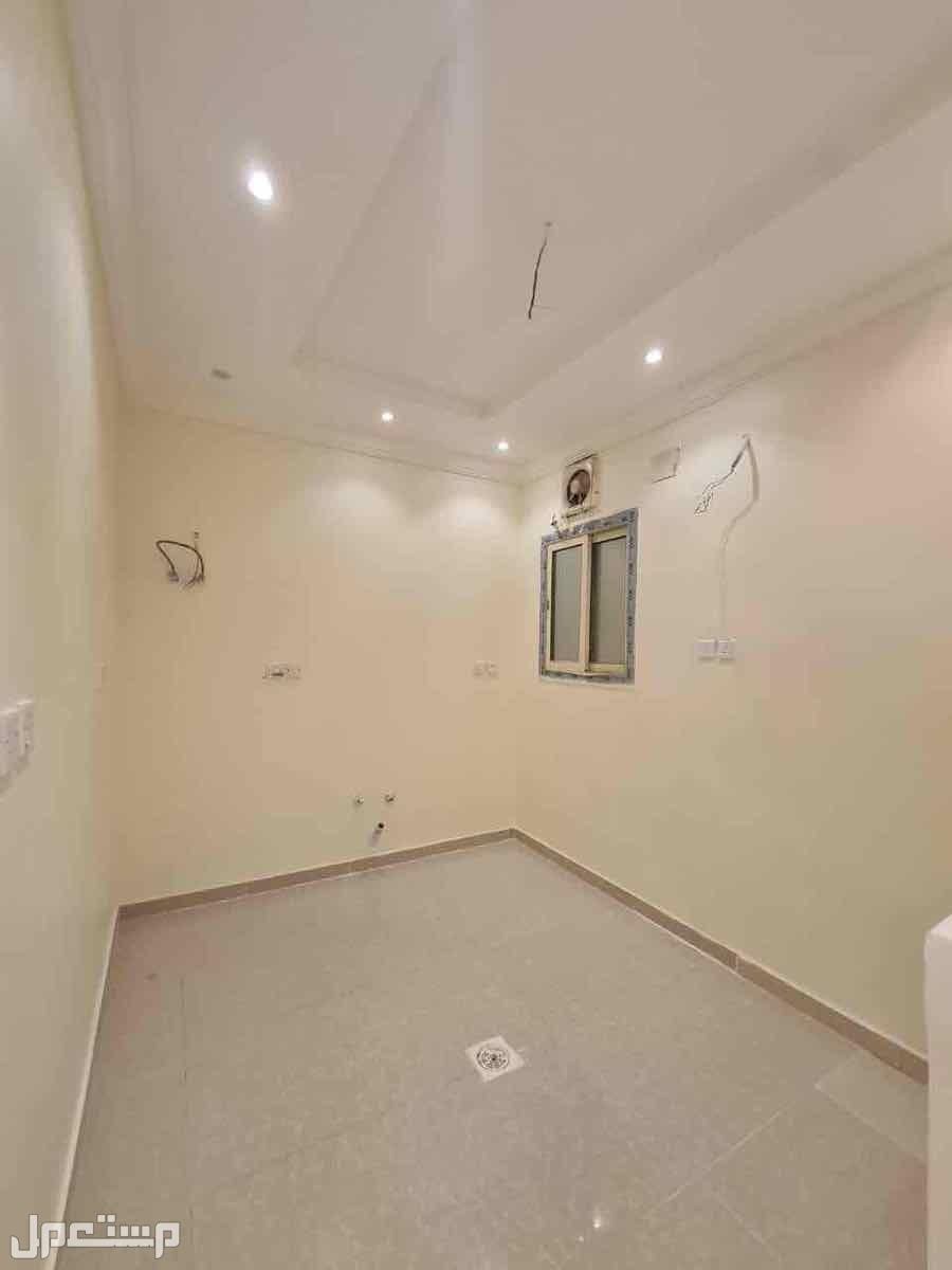 شقة 5 غرف للبيع بحي التيسير