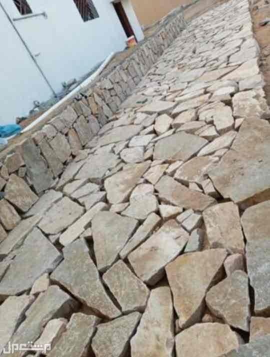 نقوم بتنفيذبناالتراث الطين والحجروشغل النخل والشبوك بجميع انواعه