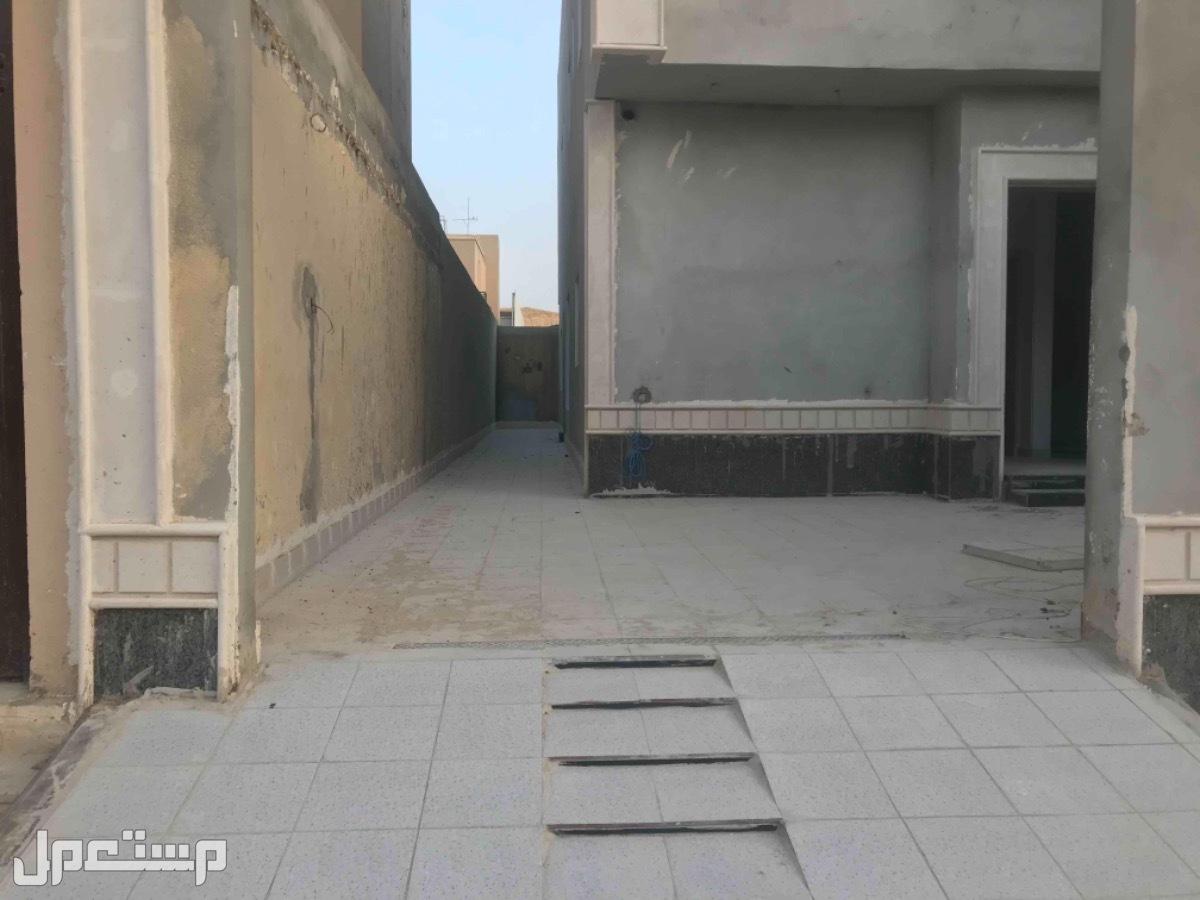 للبيع عدد 2فليلا درج صاله م 350 بحي العزيزية (الرياض)
