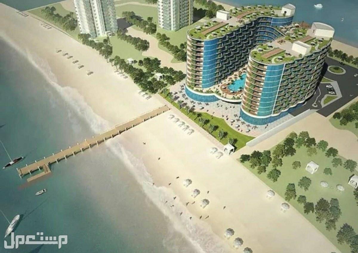 تملك الان بمنتجع المهرة الفندقي ( المشروع الاضخم والاشمل للاستثمار ) واجهة المنتجع على البحر