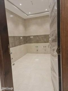 للبيع شقة مع السطح جديده من المالك مباشرة في جدة
