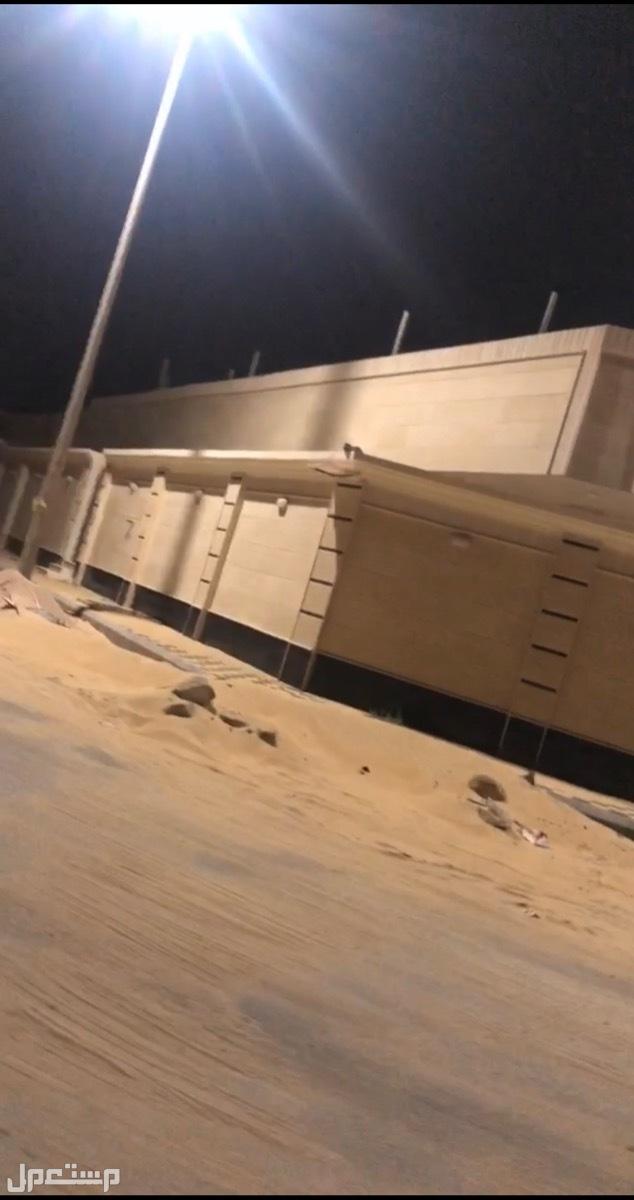 دور و ملحق مؤسس  على دور و ثلاث شقق في الخبر العزيزية بمخطط الرمال امواج