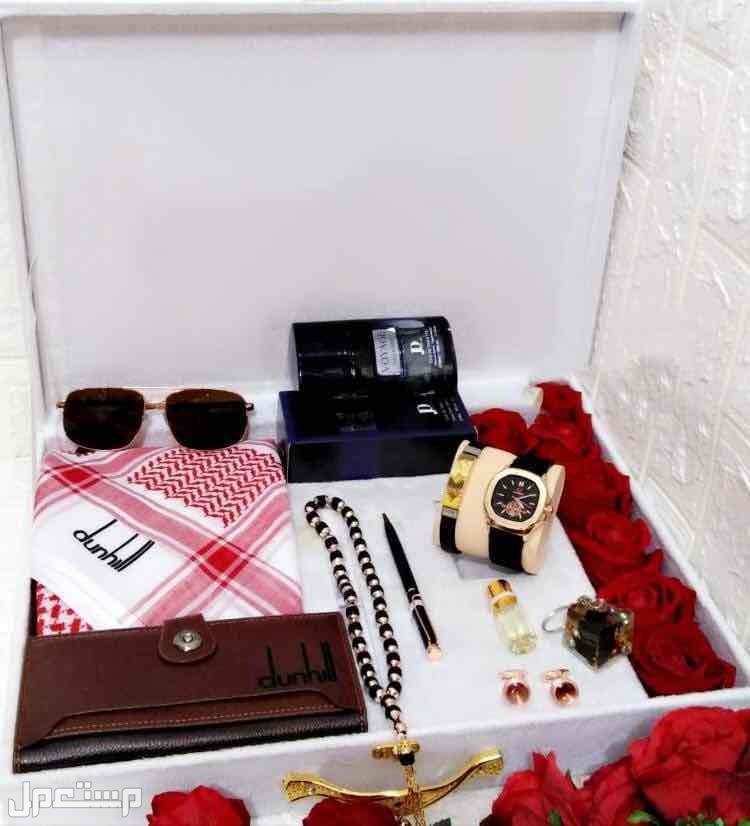 بوكس هدايا رجالي جفنشي كارتير دنهل قماش شماغ صندل ساعه قلم كبك نظاره محفظه