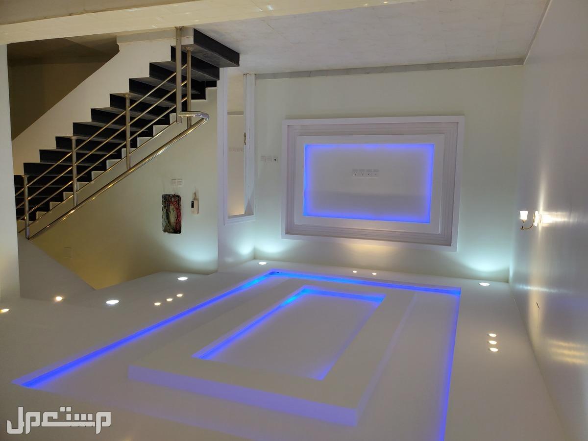 مباشرة بدون وسيط او عمولة للبيع فلل سكنية فاخرة بغرب الرياض