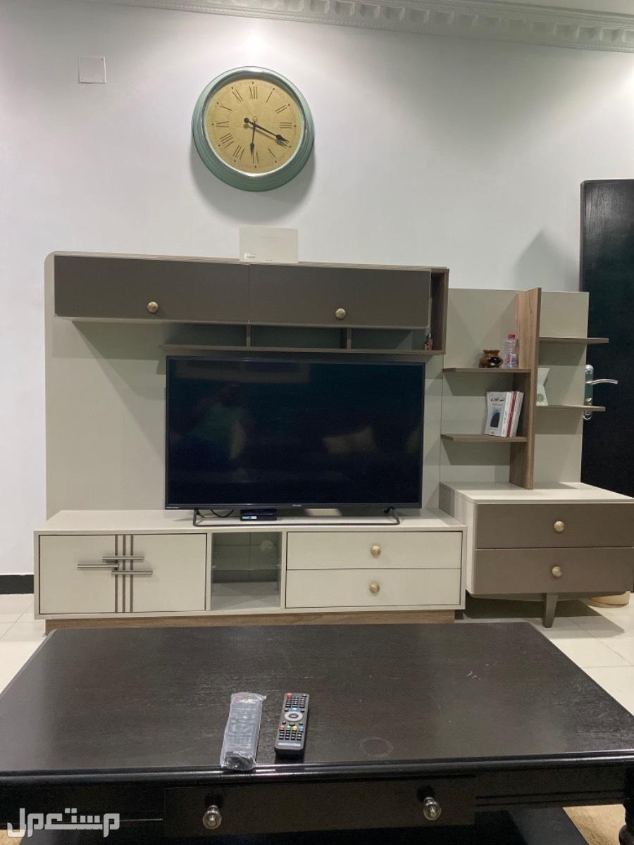 مكتبة تلفزيون مودرن انيقه ونظيفه