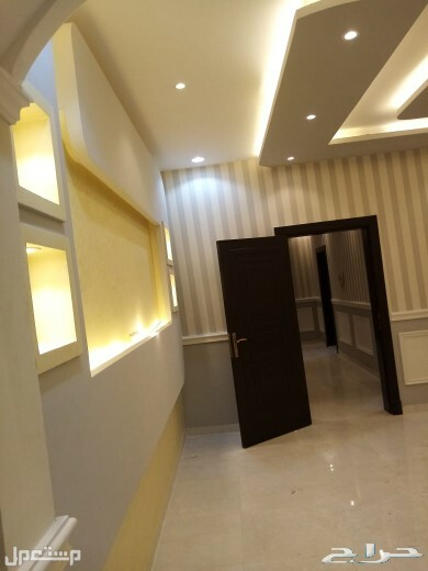 شقه 4 غرف كبيره للبيع من المالك مباشرة ساكن اول