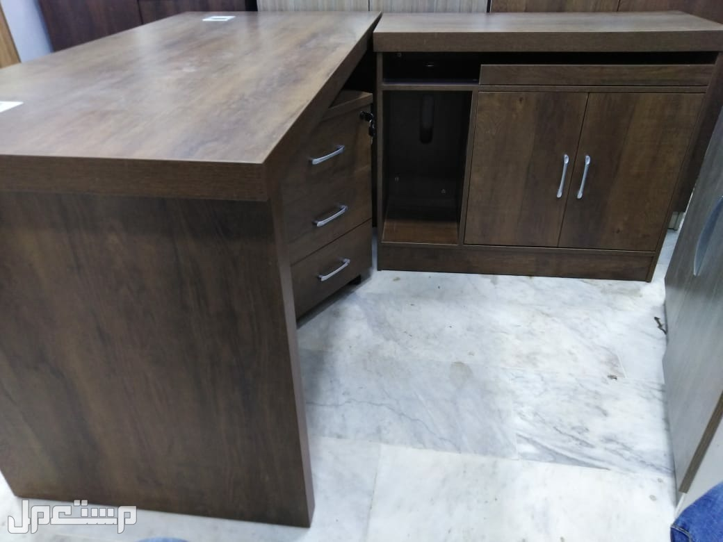 طقم مكتب فاخر خامة ممتازة وتصميم راقي