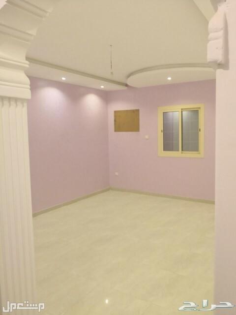 للبيع روف5غرف ساكن اول مستقله بخدماتها حصري