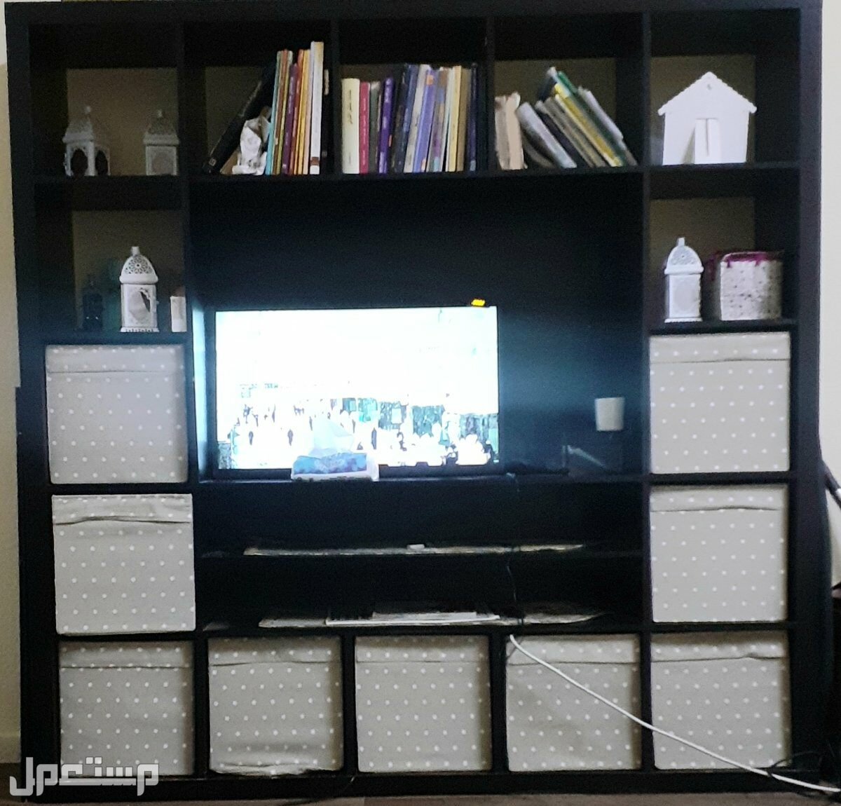 ايكيا طاولة تلفزيون وتخزين من ايكيا موديل نادر