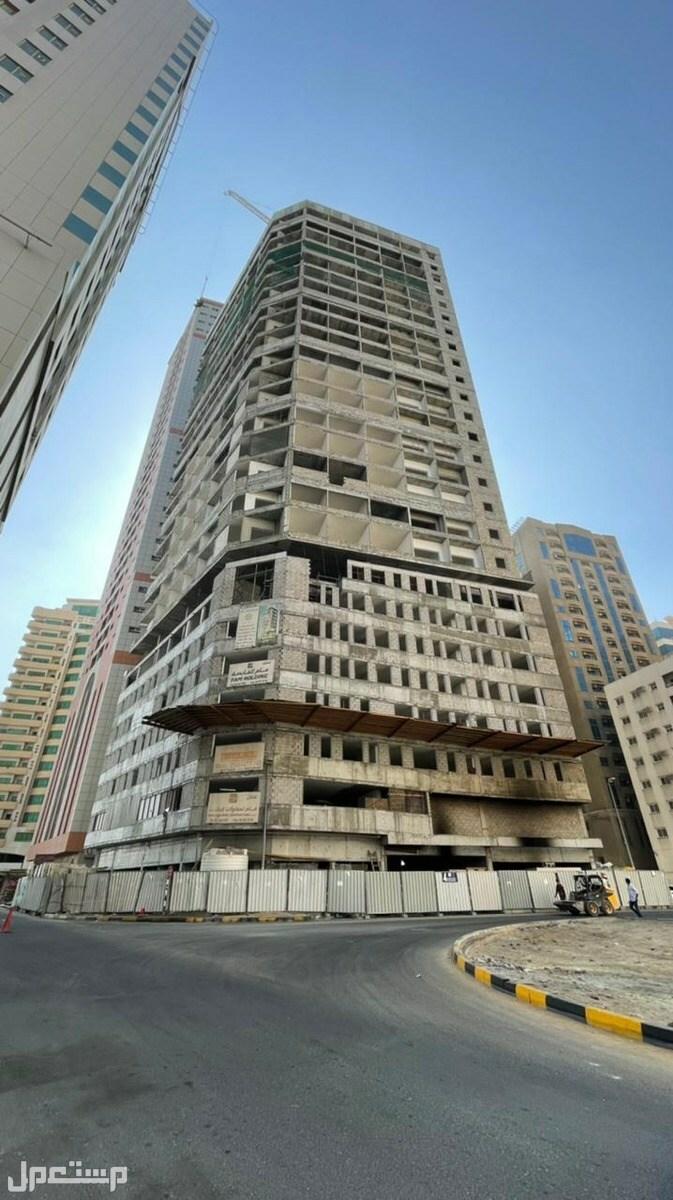 تملك الان في الموقع الافضل في الشارقة الانتهاء من نسبة 80% من حجم انشاءات البرج